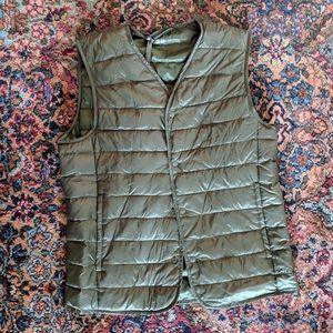 Uniqlo Ultra Light Down Compact Collarless Vest